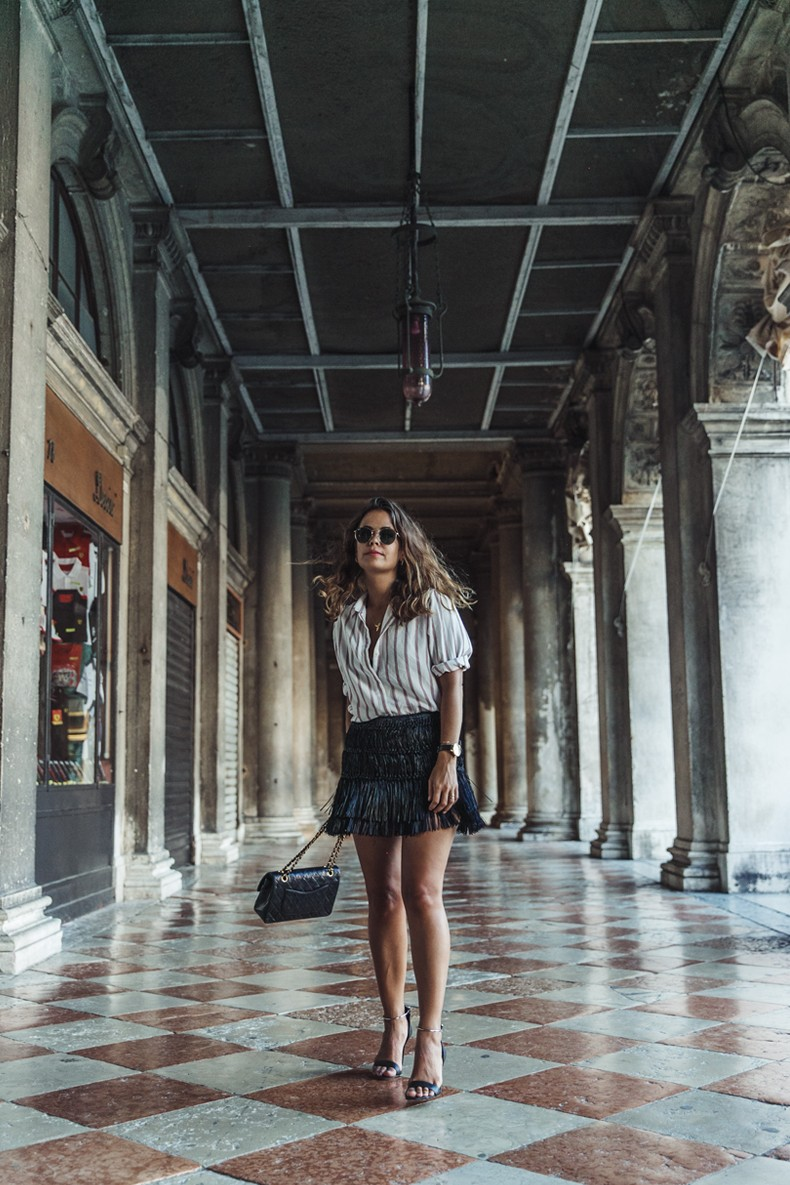Piazza_San_Marco-Venezia-Collage_On_The_Road-Isabel_Marant_Skirt-Striped_Blouse-Chanel_Vintage_Bag-Outfit-Street_Style-58