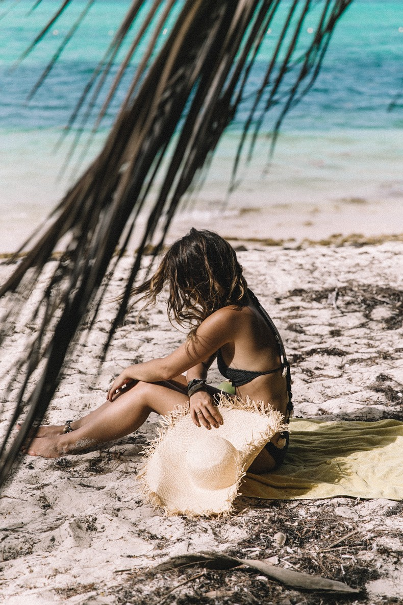 Punta_Cana-Paradise-She_Made_Me-Crochet_Bikini-Straw_Hat-Summer-Swimwear-Bikini-Collage_ON_The_Road-26