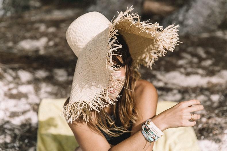 Punta_Cana-Paradise-She_Made_Me-Crochet_Bikini-Straw_Hat-Summer-Swimwear-Bikini-Collage_ON_The_Road-5