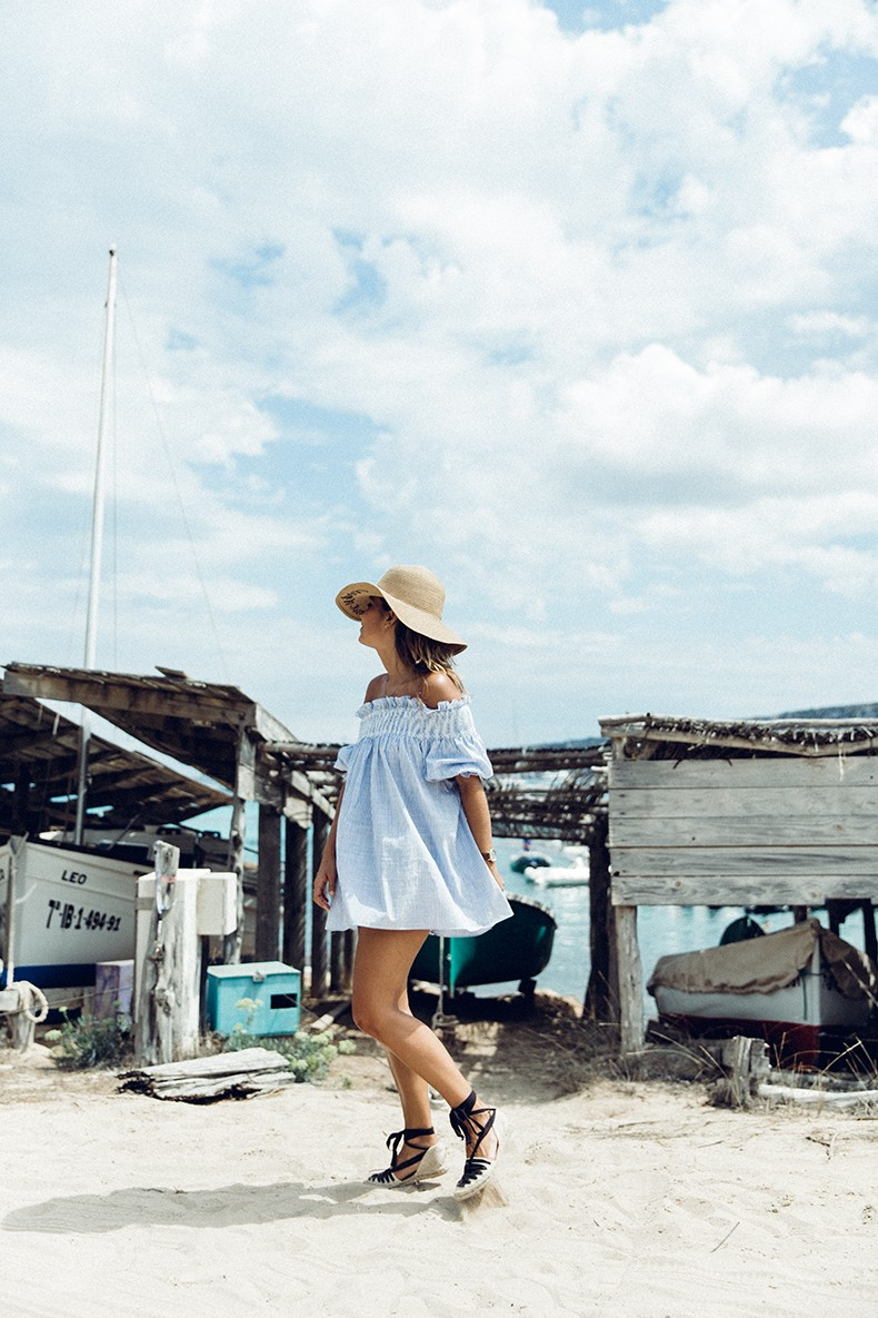 Straw_hat-Reformation-Striped_Dress-Off_The_Shoulders-Castaner_Espadrilles-Summer_look-Formetera-Collage_on_The_Road-24