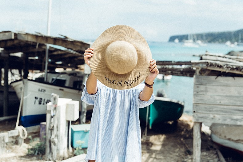 Straw_hat-Reformation-Striped_Dress-Off_The_Shoulders-Castaner_Espadrilles-Summer_look-Formetera-Collage_on_The_Road-4