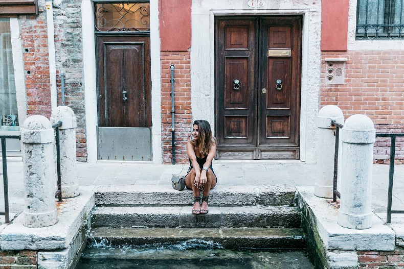Venezia-Collage_On_The_Road-Striped_Jumpsuit-Isabel_Marant_Sandals-Chloe_Bag-Outfit-Street_Style-61