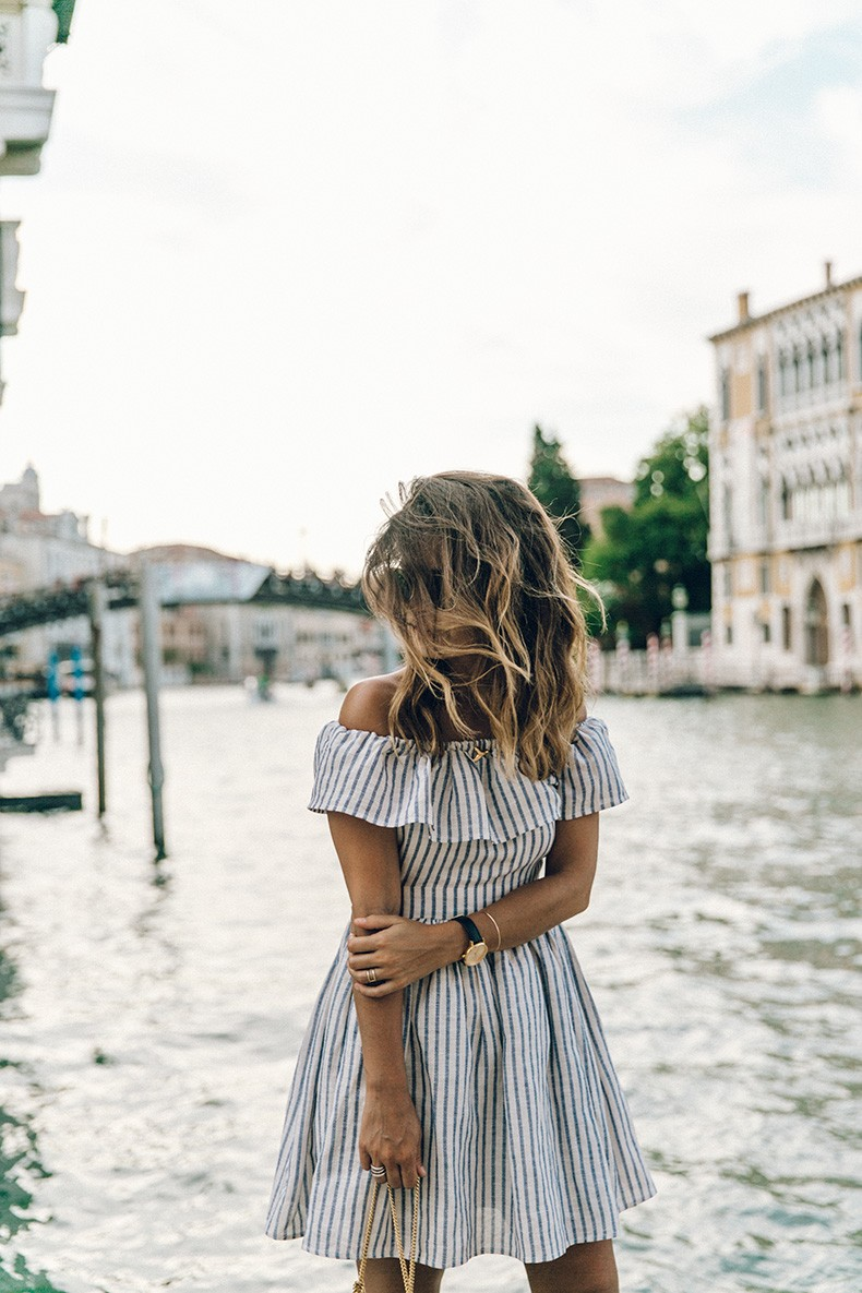 Venezia-Striped_Dress-Off_The_Shoulders-Collage_On_The_Road-Chloe_Bag-Outfit-74