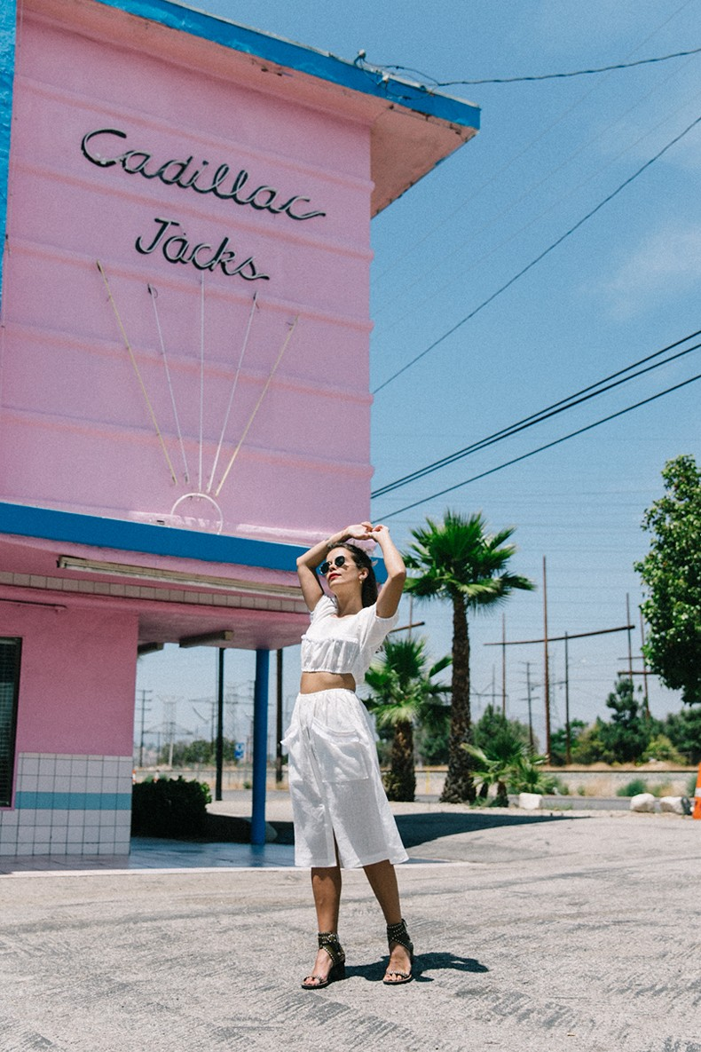 Cadilla_Jacks-Pink_Motel-Los_Angeles-Outfit-Reformation-White_Cropped_Top-Midi_Skirt-Isabel_Marant-Sandals-Collage_On_The_Road-Outfit-Street_Style-4