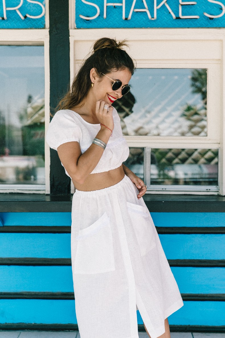 Cadilla_Jacks-Pink_Motel-Los_Angeles-Outfit-Reformation-White_Cropped_Top-Midi_Skirt-Isabel_Marant-Sandals-Collage_On_The_Road-Outfit-Street_Style-57