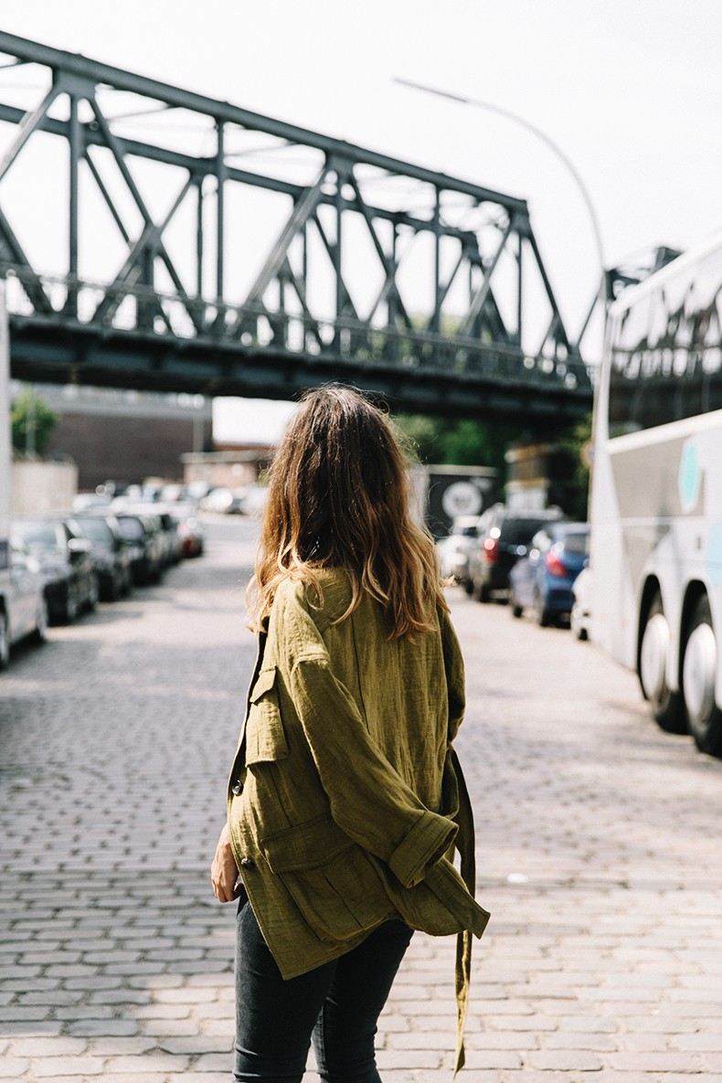 Hamburgo-Parka-Khaki-Striped_Sweater-Black_Jeans-Outfit-Collage_On_The_Road-Street_Style-31