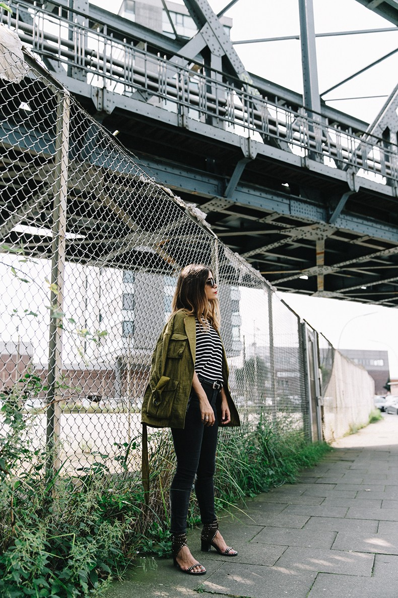 Hamburgo-Parka-Khaki-Striped_Sweater-Black_Jeans-Outfit-Collage_On_The_Road-Street_Style-32