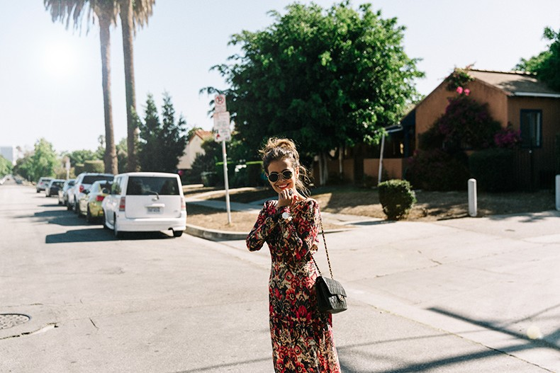Los_Angeles-Sam_And_Lavi_Dress-Floral_Print-Lace_Up_Sandals-Chanel_Vintage_Bag-Outfit-Street_Style-Collage_Vintage-2