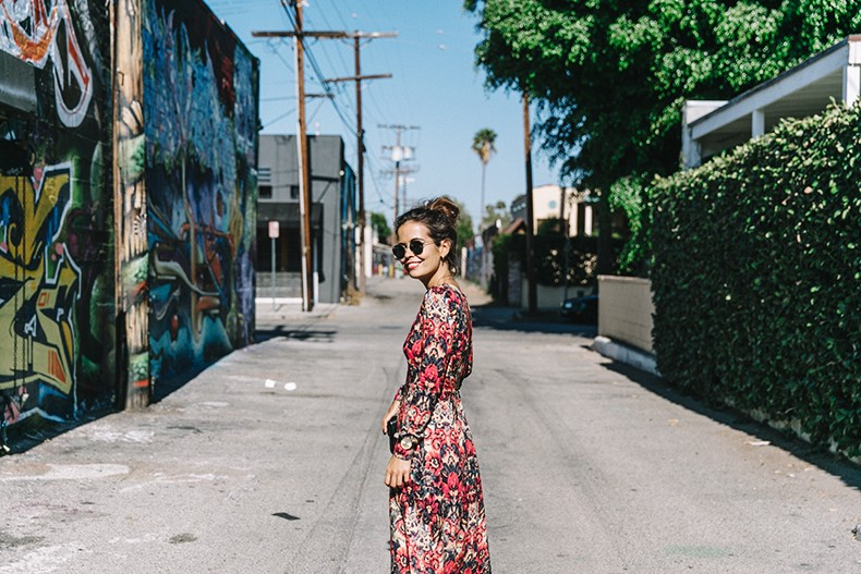 Los_Angeles-Sam_And_Lavi_Dress-Floral_Print-Lace_Up_Sandals-Chanel_Vintage_Bag-Outfit-Street_Style-Collage_Vintage-24