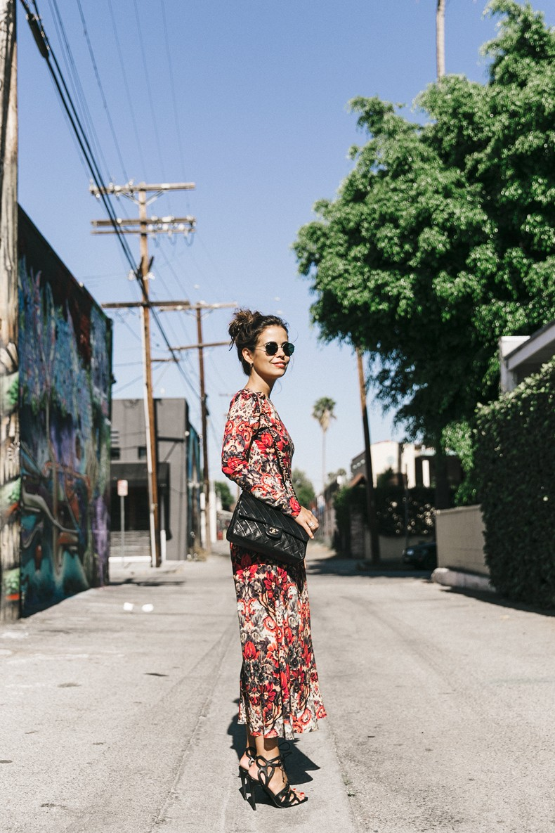 Los_Angeles-Sam_And_Lavi_Dress-Floral_Print-Lace_Up_Sandals-Chanel_Vintage_Bag-Outfit-Street_Style-Collage_Vintage-26