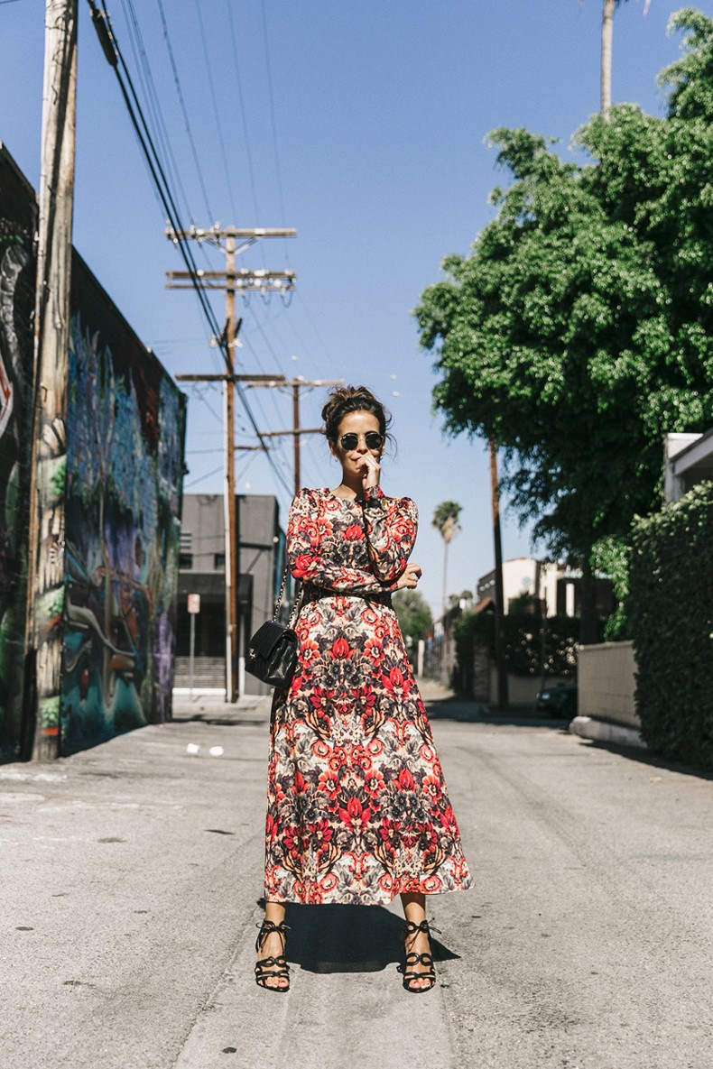 Los_Angeles-Sam_And_Lavi_Dress-Floral_Print-Lace_Up_Sandals-Chanel_Vintage_Bag-Outfit-Street_Style-Collage_Vintage-29