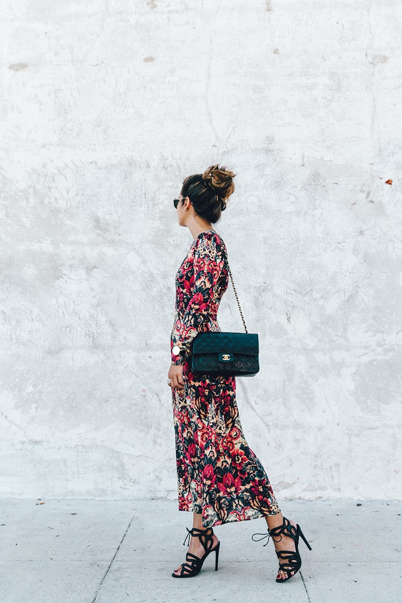 Los_Angeles-Sam_And_Lavi_Dress-Floral_Print-Lace_Up_Sandals-Chanel_Vintage_Bag-Outfit-Street_Style-Collage_Vintage-6