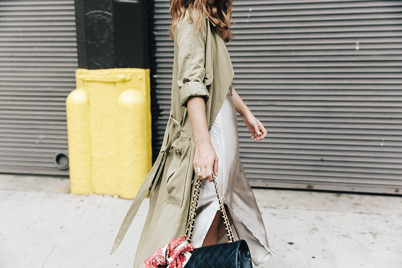 Rebecca_Minkoff-NYFW-New_York_Fashion_Week-Slip_Dress-Long_Trench-Chanel_Vintage-Outfit-Street_Style-17