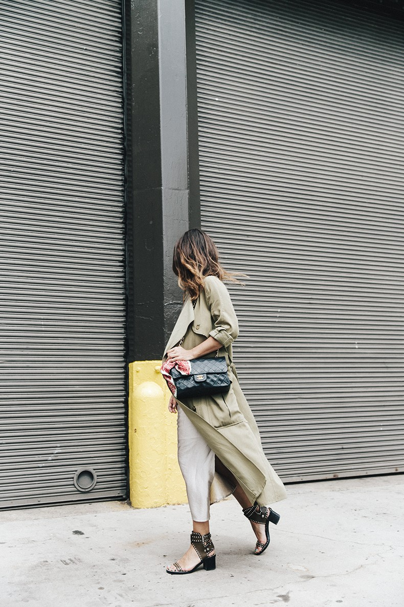 Rebecca_Minkoff-NYFW-New_York_Fashion_Week-Slip_Dress-Long_Trench-Chanel_Vintage-Outfit-Street_Style-6