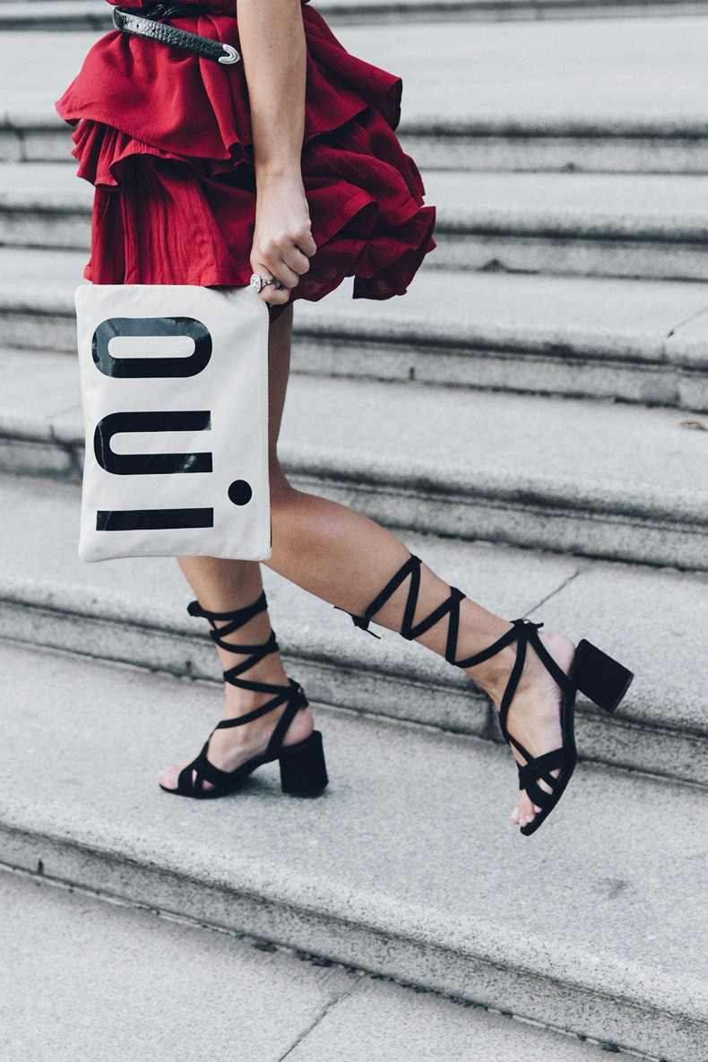 Red_outfit-Ruffle_Skirt-Chicwish-Lace_Up_Sandals-Etnia_Barcelona-Street_Style-Oui_Clare_Vivier-13