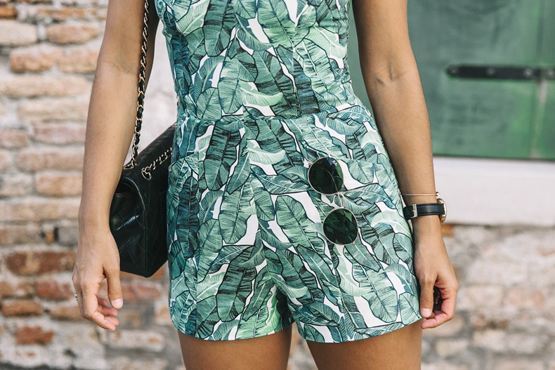 Tropical_Jumpsuit-Espadrilles-Chanel_Vintage_Bag-Outfit-Venezia-Summer-Collage_On_The_Road-14