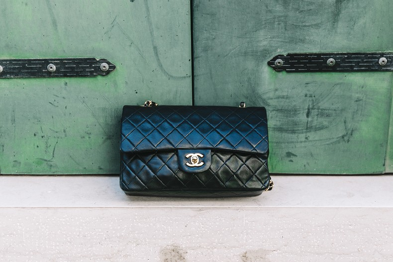 Tropical_Jumpsuit-Espadrilles-Chanel_Vintage_Bag-Outfit-Venezia-Summer-Collage_On_The_Road-4