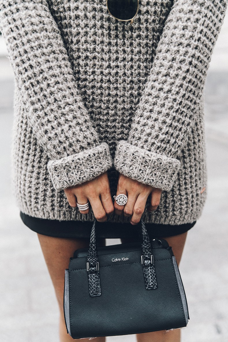 Calvin_Klein_Platinum_Sofie_Bag-Grey_Knit-Sneakers-Outfit-CK-Look_of_The_Day-Street_Style-Outfit-Bandana_Scarf-Apodemia_Necklace-28