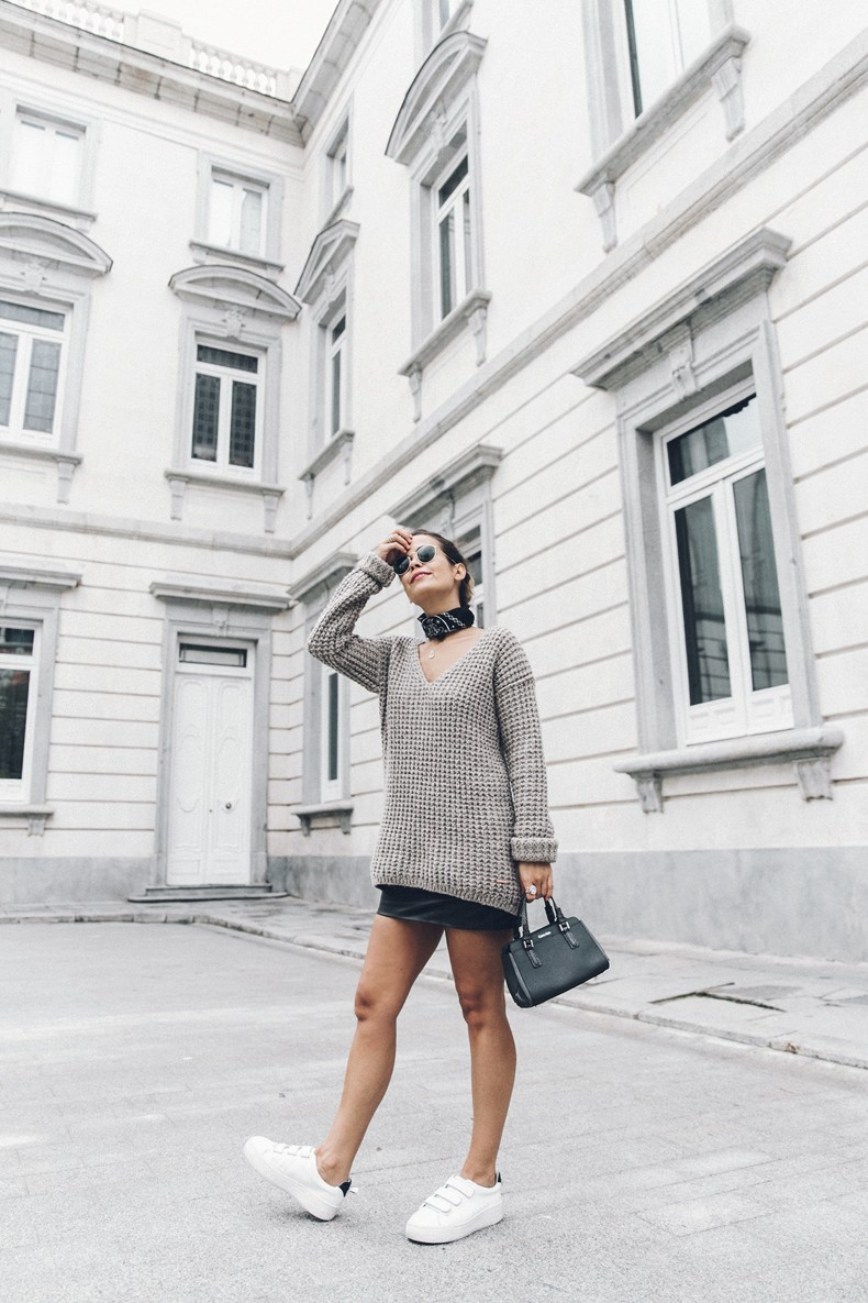 Calvin_Klein_Platinum_Sofie_Bag-Grey_Knit-Sneakers-Outfit-CK-Look_of_The_Day-Street_Style-Outfit-Bandana_Scarf-Apodemia_Necklace-51