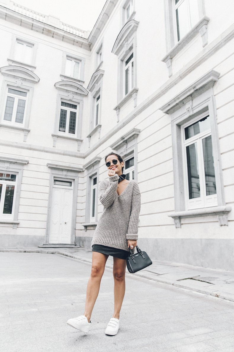 Calvin_Klein_Platinum_Sofie_Bag-Grey_Knit-Sneakers-Outfit-CK-Look_of_The_Day-Street_Style-Outfit-Bandana_Scarf-Apodemia_Necklace-55