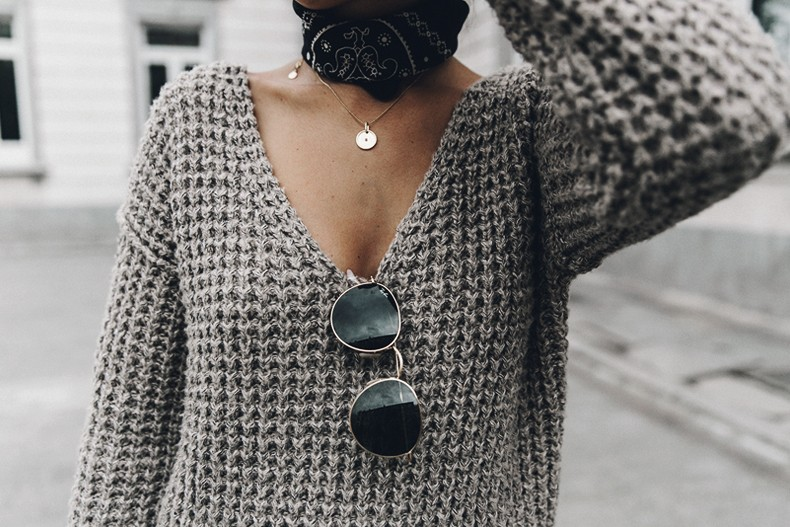 Calvin_Klein_Platinum_Sofie_Bag-Grey_Knit-Sneakers-Outfit-CK-Look_of_The_Day-Street_Style-Outfit-Bandana_Scarf-Apodemia_Necklace-86