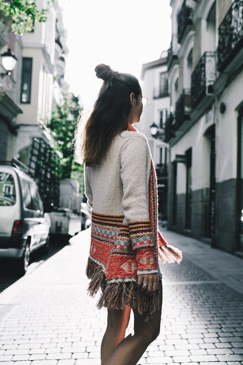 Desigual-Vintage_Denim_Skirt-Isabel_Marant_Boots-Outfit-Mid_Season-Outfit-Street_Style-3