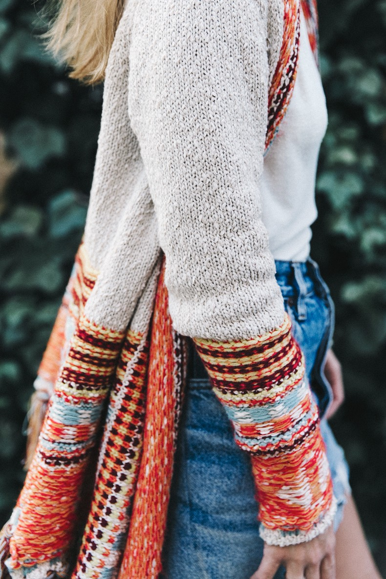 Desigual-Vintage_Denim_Skirt-Isabel_Marant_Boots-Outfit-Mid_Season-Outfit-Street_Style-6