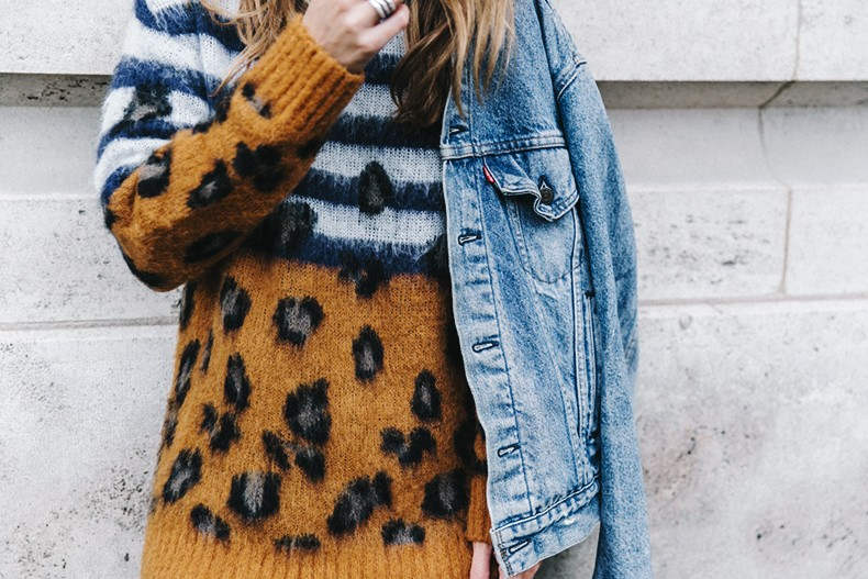 Double_Denim-Sandro_Paris-Leopard_Jumper-Sneakers-Vintage_Levis-Cropped_Trousers-Outfit-Street_Style-24