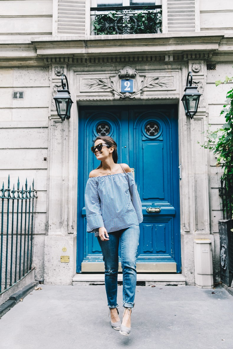 Ldies_in_Levis-Serie_700-Denim-Espadrilles-Off_The_Shoulder_top-Tita_Madrid_Bag-Yellow-Outfit-Paris-711_Skinny_Jeans-3