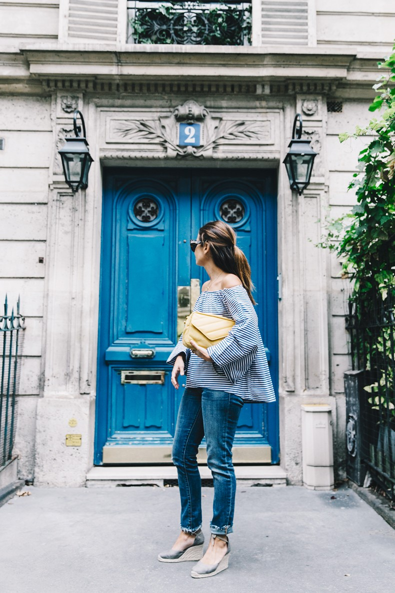 Ldies_in_Levis-Serie_700-Denim-Espadrilles-Off_The_Shoulder_top-Tita_Madrid_Bag-Yellow-Outfit-Paris-711_Skinny_Jeans-5