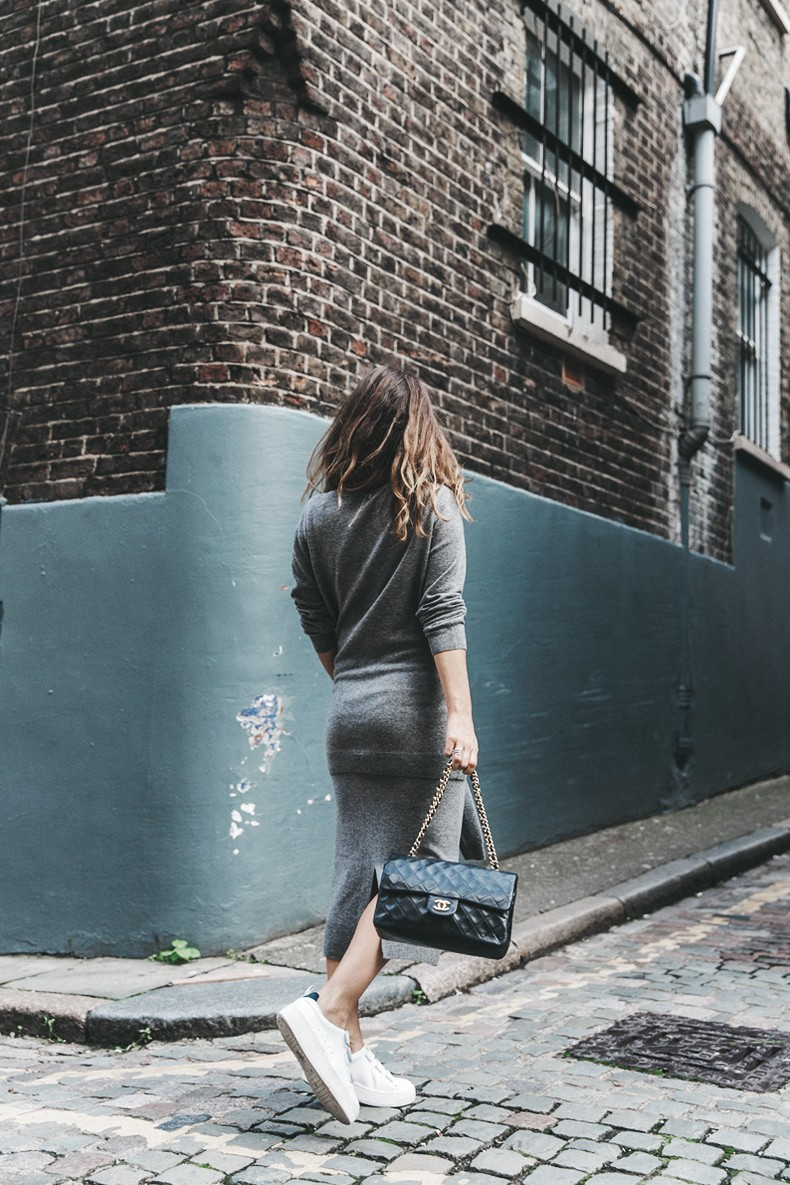 London_LFW-Sandro-White_Sneakers-Grey_Look-Midi_Skirt-Outfit-Street_Style-Chanel_Vintage_Bag-6
