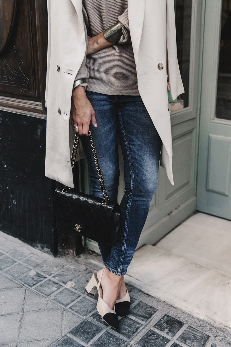 Long_Blazer-Off_The_Shoulders_Knit-Jeans-Chanel_Escarpins_Shoes-Chanel_Bag-Hoop_Earring-Outfit-Street_Style-Topknot-33