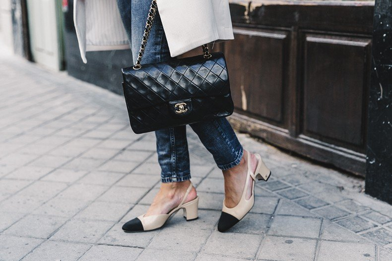 Long_Blazer-Off_The_Shoulders_Knit-Jeans-Chanel_Escarpins_Shoes-Chanel_Bag-Hoop_Earring-Outfit-Street_Style-Topknot-66