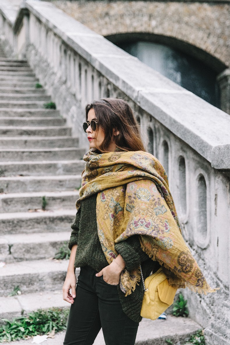 Maje_x_Minnetonka-Suede_Boots-Khaki_Outfit-Vintage_Scarf-Tita_Madrid_Bag-Yellow_Bag-Outfit-Paris-Street_style-Collage_Vintage-15