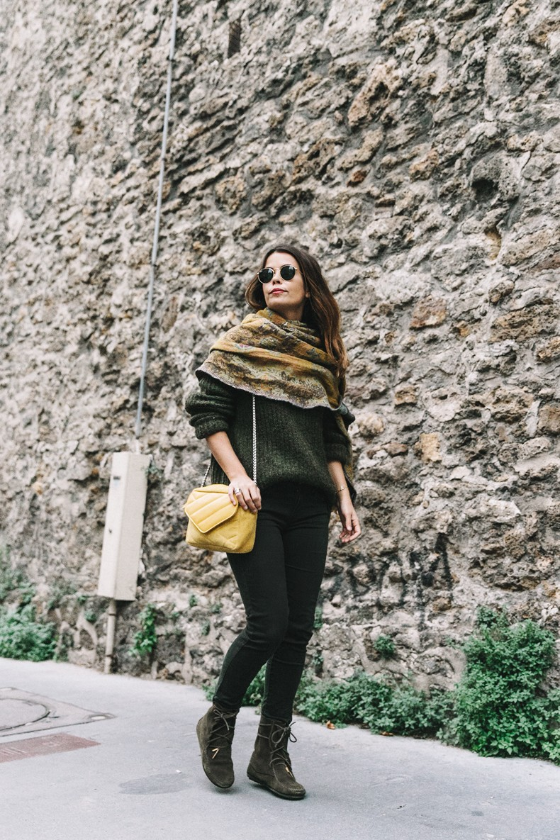Maje_x_Minnetonka-Suede_Boots-Khaki_Outfit-Vintage_Scarf-Tita_Madrid_Bag-Yellow_Bag-Outfit-Paris-Street_style-Collage_Vintage-25