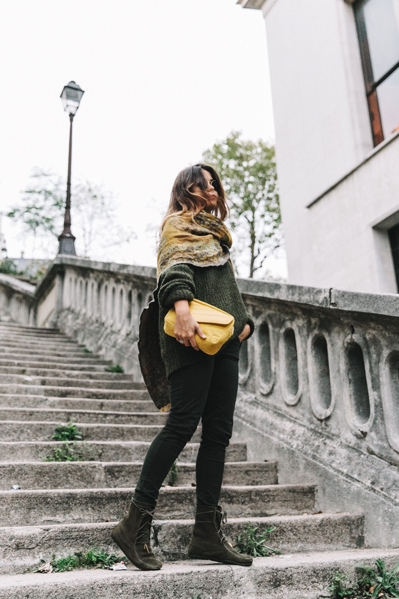 Maje_x_Minnetonka-Suede_Boots-Khaki_Outfit-Vintage_Scarf-Tita_Madrid_Bag-Yellow_Bag-Outfit-Paris-Street_style-Collage_Vintage-30