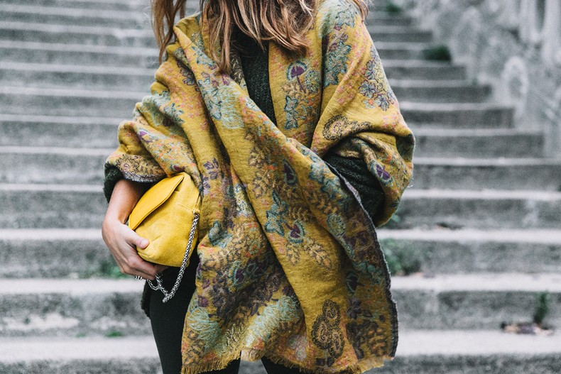 Maje_x_Minnetonka-Suede_Boots-Khaki_Outfit-Vintage_Scarf-Tita_Madrid_Bag-Yellow_Bag-Outfit-Paris-Street_style-Collage_Vintage-53