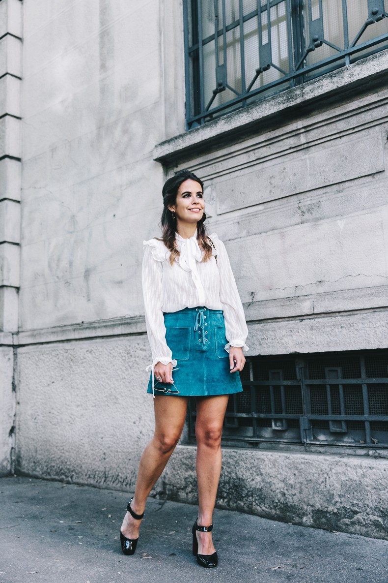 Mini_Suede_Skirt-Lace_Up_Skirt-Turquoise-Bow_Blouse-Mary_Jane_Shoes-Topshop-Outfit-Street_Style-1