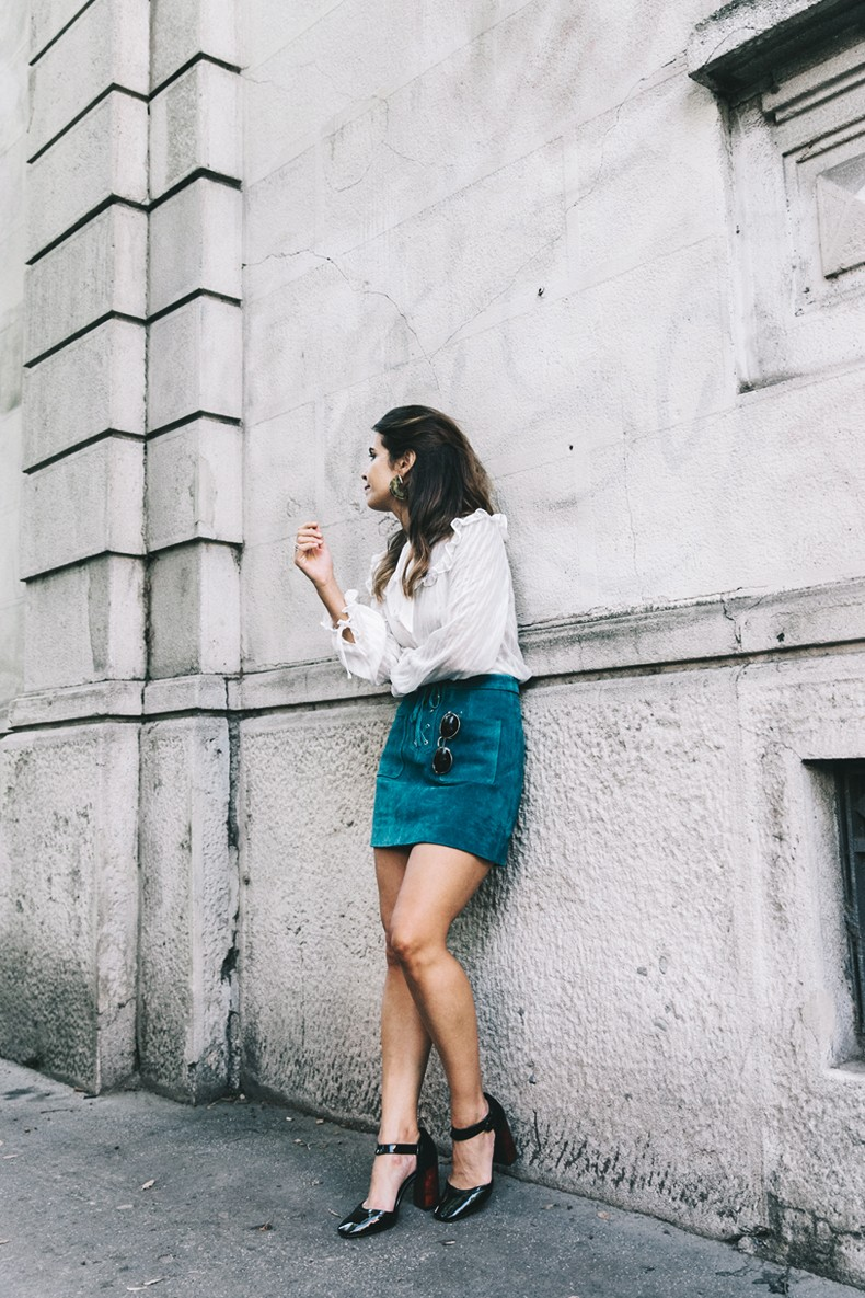 Mini_Suede_Skirt-Lace_Up_Skirt-Turquoise-Bow_Blouse-Mary_Jane_Shoes-Topshop-Outfit-Street_Style-23