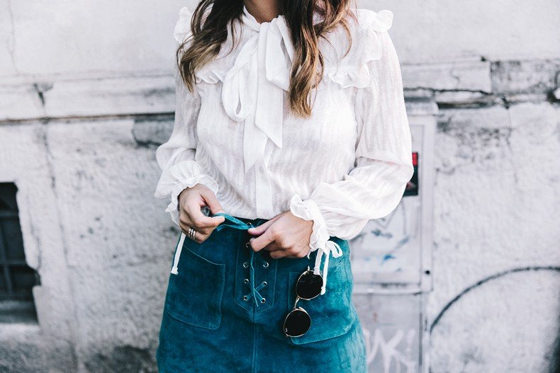 Mini_Suede_Skirt-Lace_Up_Skirt-Turquoise-Bow_Blouse-Mary_Jane_Shoes-Topshop-Outfit-Street_Style-41