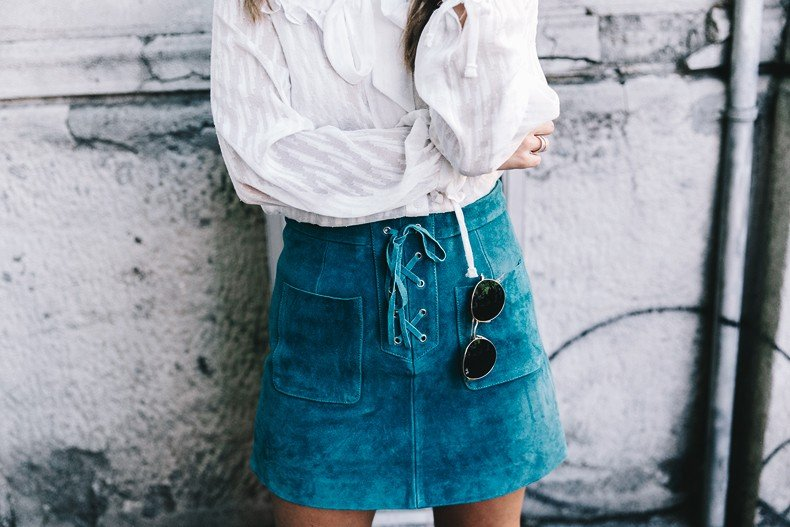 Mini_Suede_Skirt-Lace_Up_Skirt-Turquoise-Bow_Blouse-Mary_Jane_Shoes-Topshop-Outfit-Street_Style-42