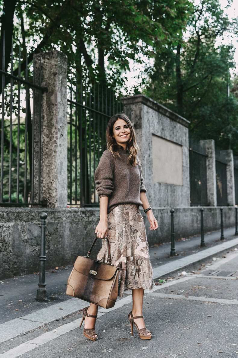 Ralph_Lauren-Sequins_Midi_Skirt-Tiffin_Bag-MFW-Milan_Fashion_Week-Outfit-16