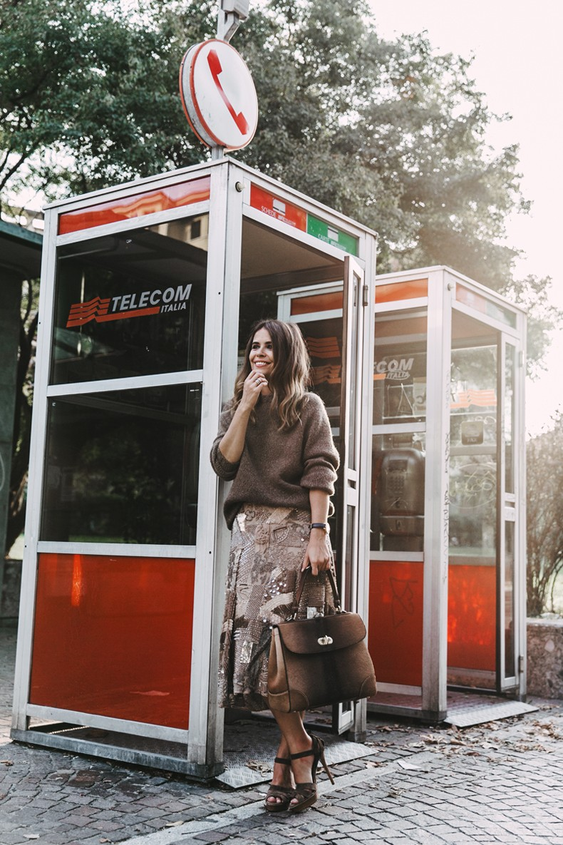 Ralph_Lauren-Sequins_Midi_Skirt-Tiffin_Bag-MFW-Milan_Fashion_Week-Outfit-29