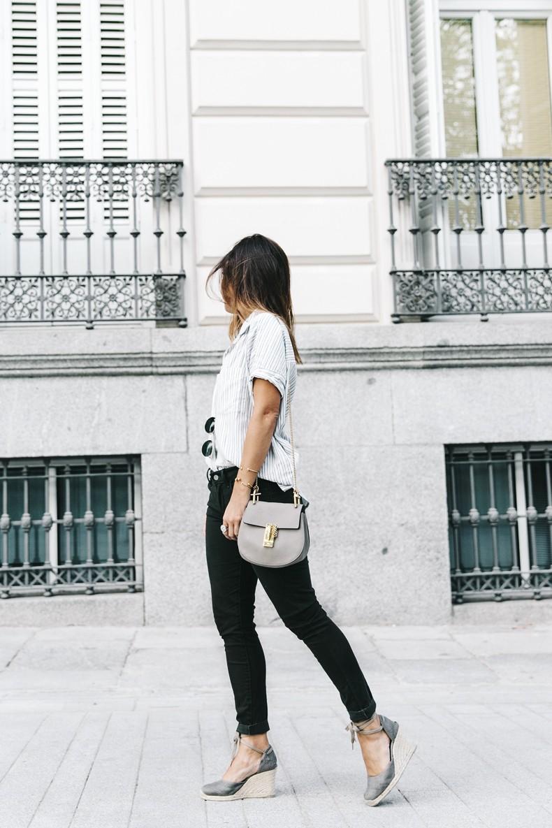 Serie_700_Levis-Ladies_In_Levis-Khaki_Jeans-Striped_Shirt-Espadrilles-Chloe_Bag-13