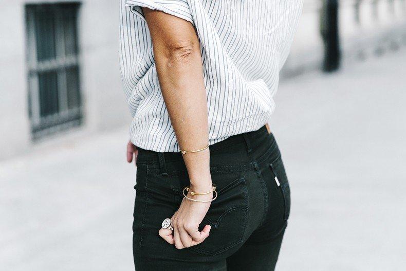 Serie_700_Levis-Ladies_In_Levis-Khaki_Jeans-Striped_Shirt-Espadrilles-Chloe_Bag-31