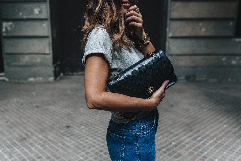Topshop_Jeans-Jimmy_Choo_Shoes-Lace_Up-Ballerina_Heels-Grey_Top-Chanel_Vintage-Outfit-MFW-Milan-36