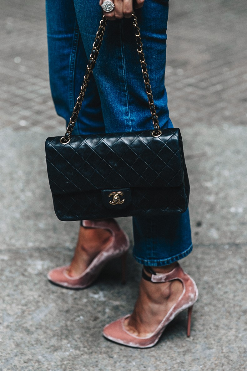 Topshop_Jeans-Jimmy_Choo_Shoes-Lace_Up-Ballerina_Heels-Grey_Top-Chanel_Vintage-Outfit-MFW-Milan-8