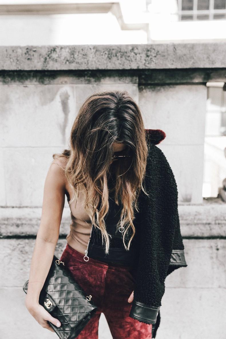 Topshop_unique-Burgundy_Suede_Trousers-Sandro_Jacket-Leopard_Shoes-Outfit-London-LFW-Street_Style-2
