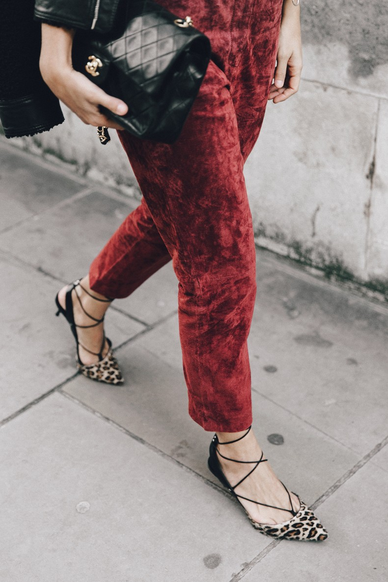 Topshop_unique-Burgundy_Suede_Trousers-Sandro_Jacket-Leopard_Shoes-Outfit-London-LFW-Street_Style-25