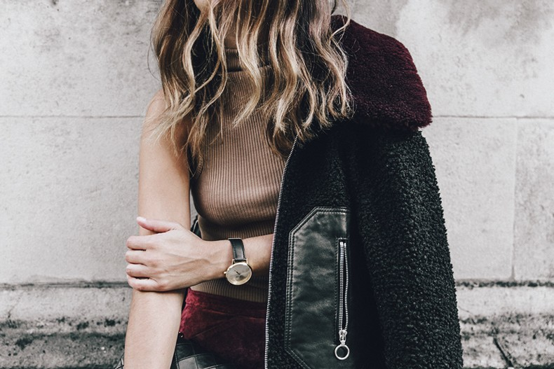 Topshop_unique-Burgundy_Suede_Trousers-Sandro_Jacket-Leopard_Shoes-Outfit-London-LFW-Street_Style-28